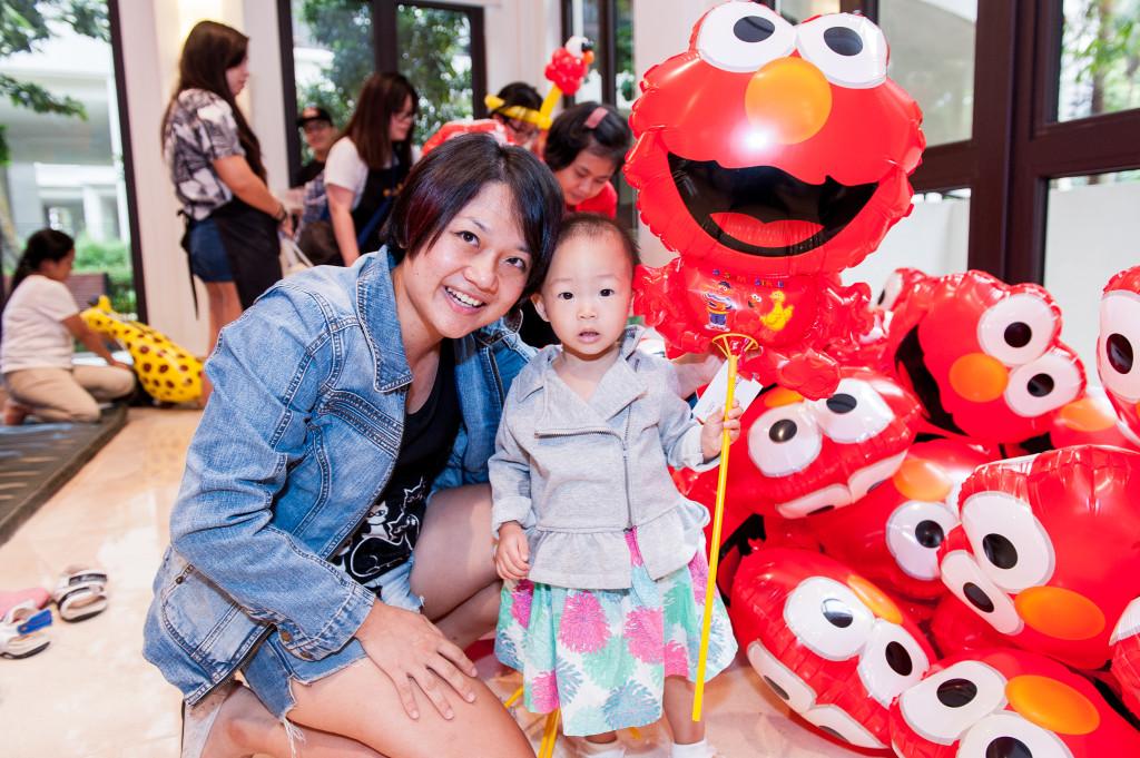 Elmo Balloon as a take away gift :D